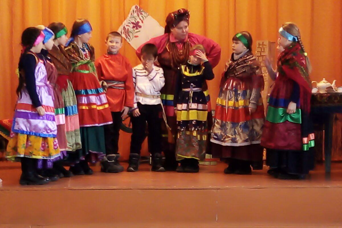 Десятниковский детский фольклорный ансамбль «Янтарек», с. Десятниково, Тарбагатайский район, Республика Бурятия